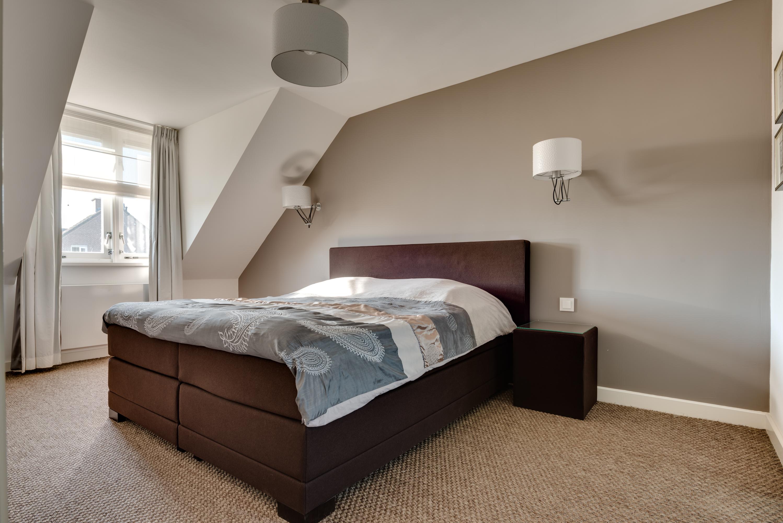 free te koop oeverzwaluw hendriks with bruine slaapkamer