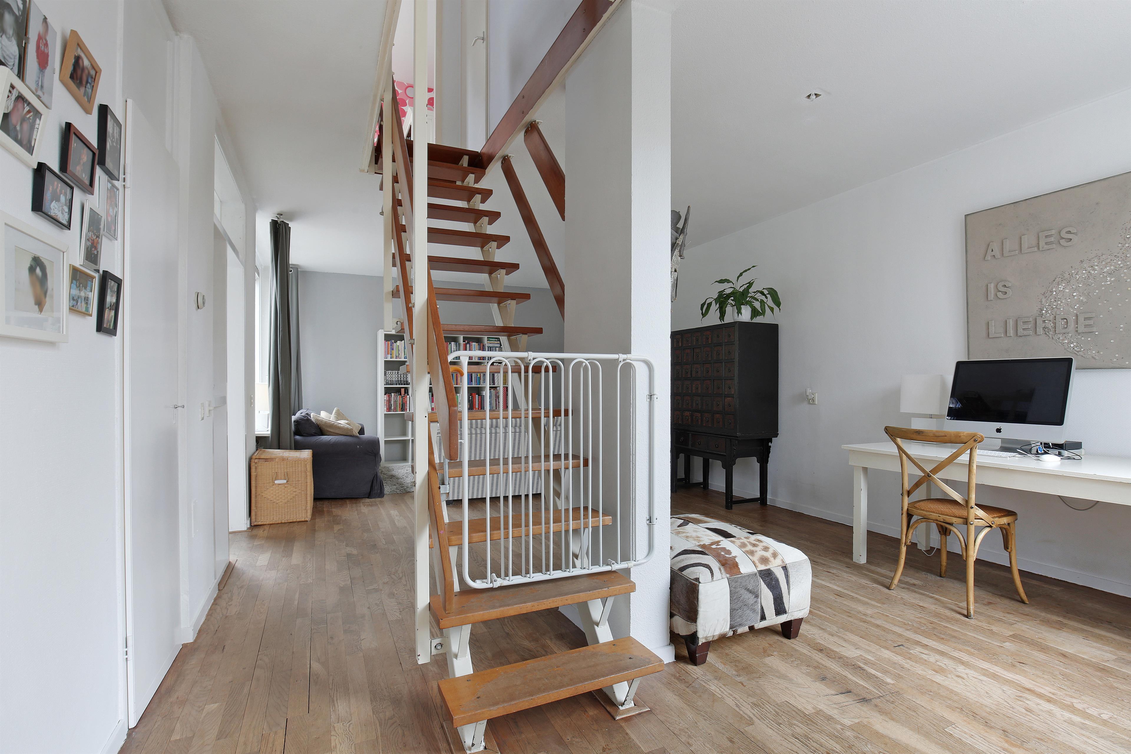 Te koop looiersdreef 694 apeldoorn hendriks makelaardij - Midden kamer trap ...