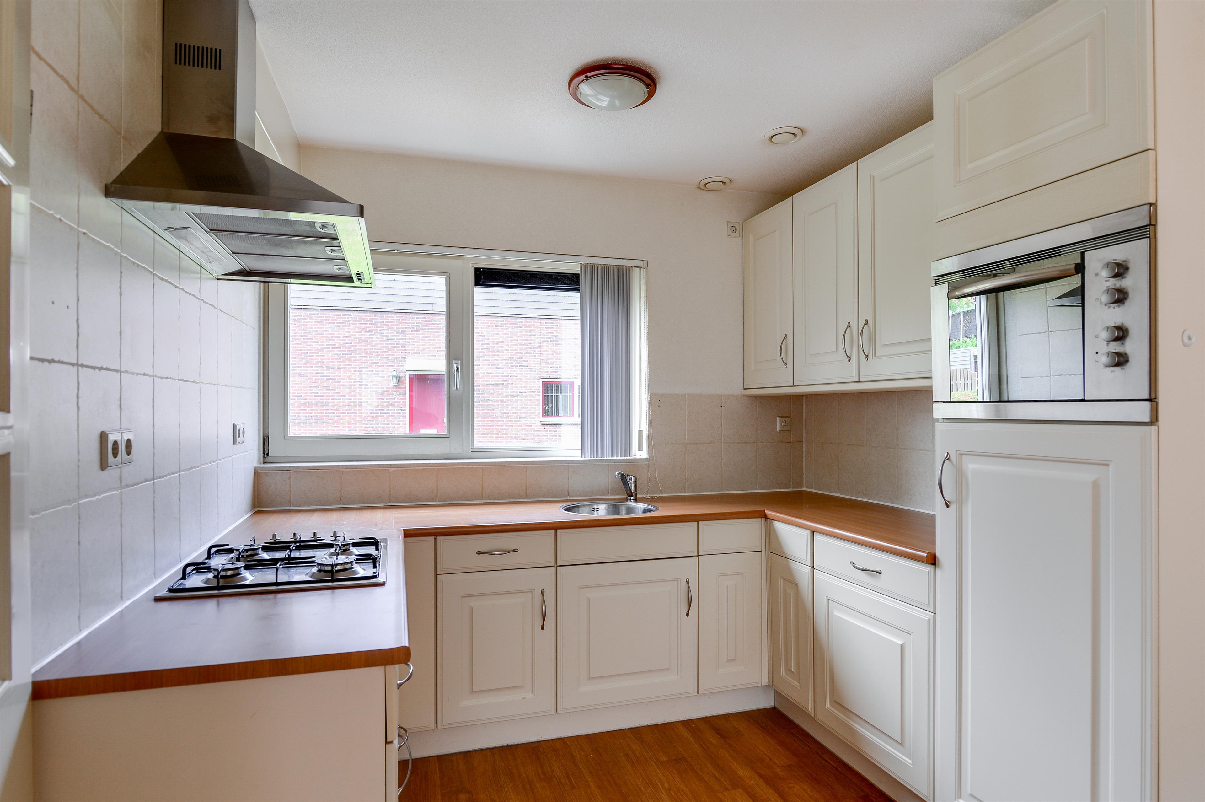 Te koop schildgronden 75 hoofddorp hendriks makelaardij - Gezellige keuken ...