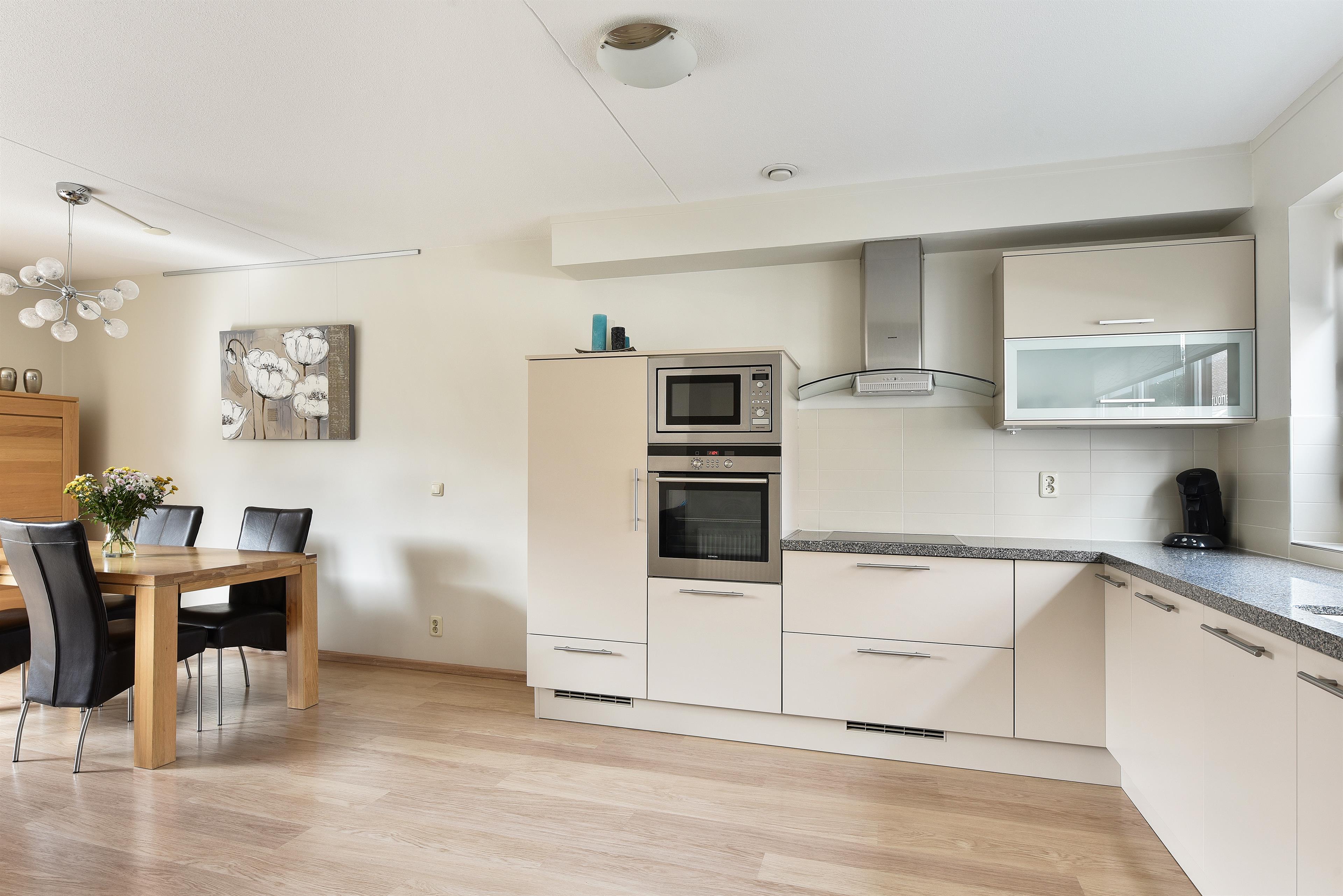 Keuken Badkamer Apeldoorn : Te koop lange grafte apeldoorn hendriks makelaardij