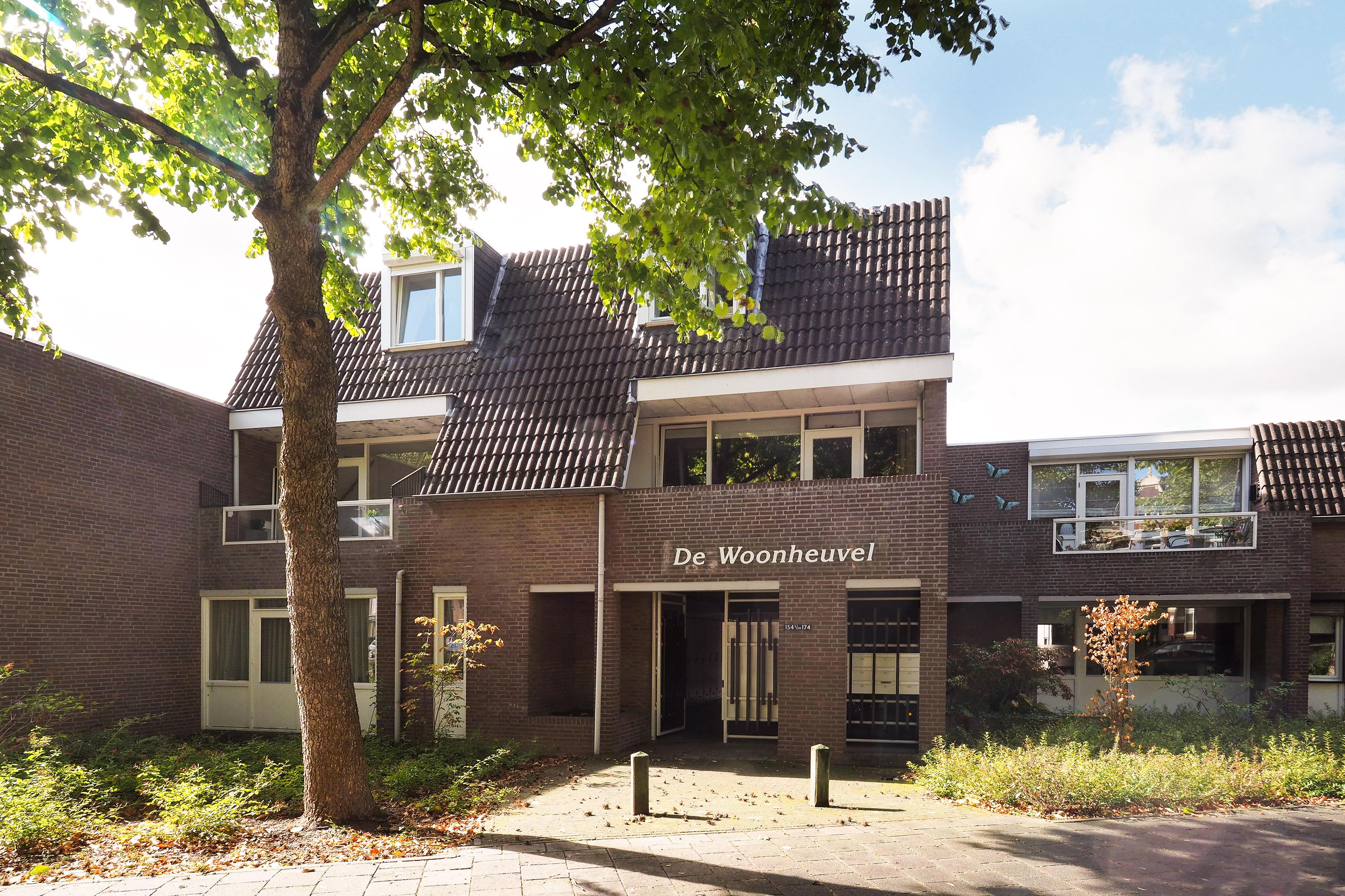 https://hendriks.nl//woningfotos/4/4/4/9/44497600_kapellerlaan-154-roermond-1.jpg