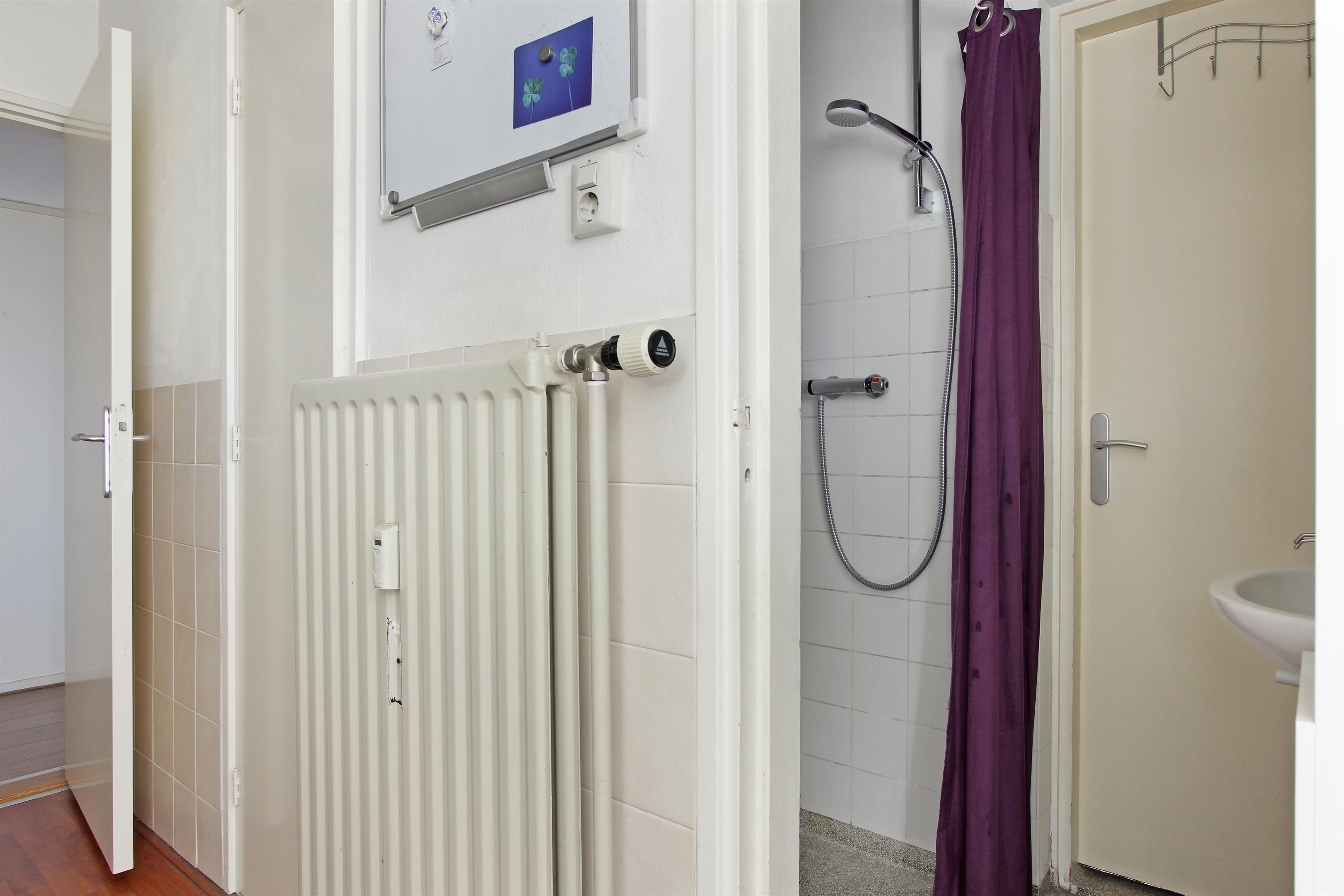 Nieuwe Badkamer Nijmegen : Te koop aubadestraat nijmegen hendriks makelaardij